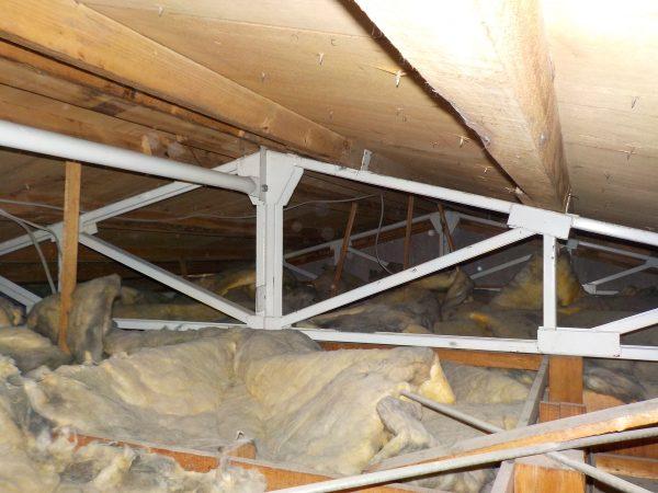 2階の小屋裏調査